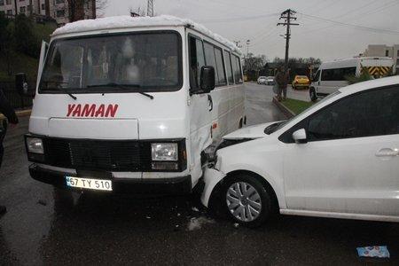 Öğrenci Servisi Kaza Yaptı: 5 Yaralı