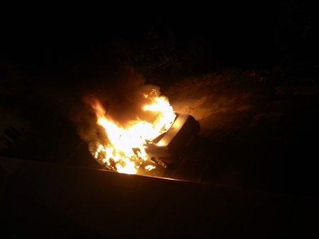 Seyir Halindeki Otomobil Alev Topuna Döndü (Görüntülü)