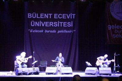 """BEÜ'DE """"UZAKTAKİ MÜZİK"""" KONSERİ"""