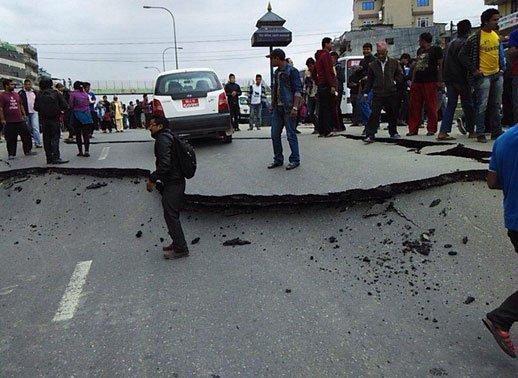 Nepal'de Büyük Deprem