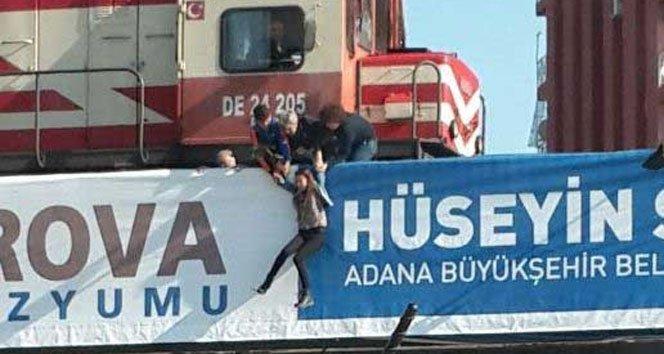 Köprüden Atlamak İsteyen Genç Kızı Vatandaşlar Kurtardı