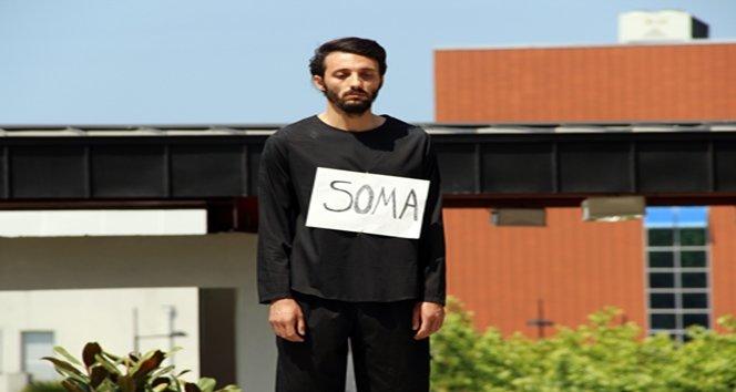 TEK KİŞİLİK SESSİZ EYLEMLE SOMA'YI ANDI