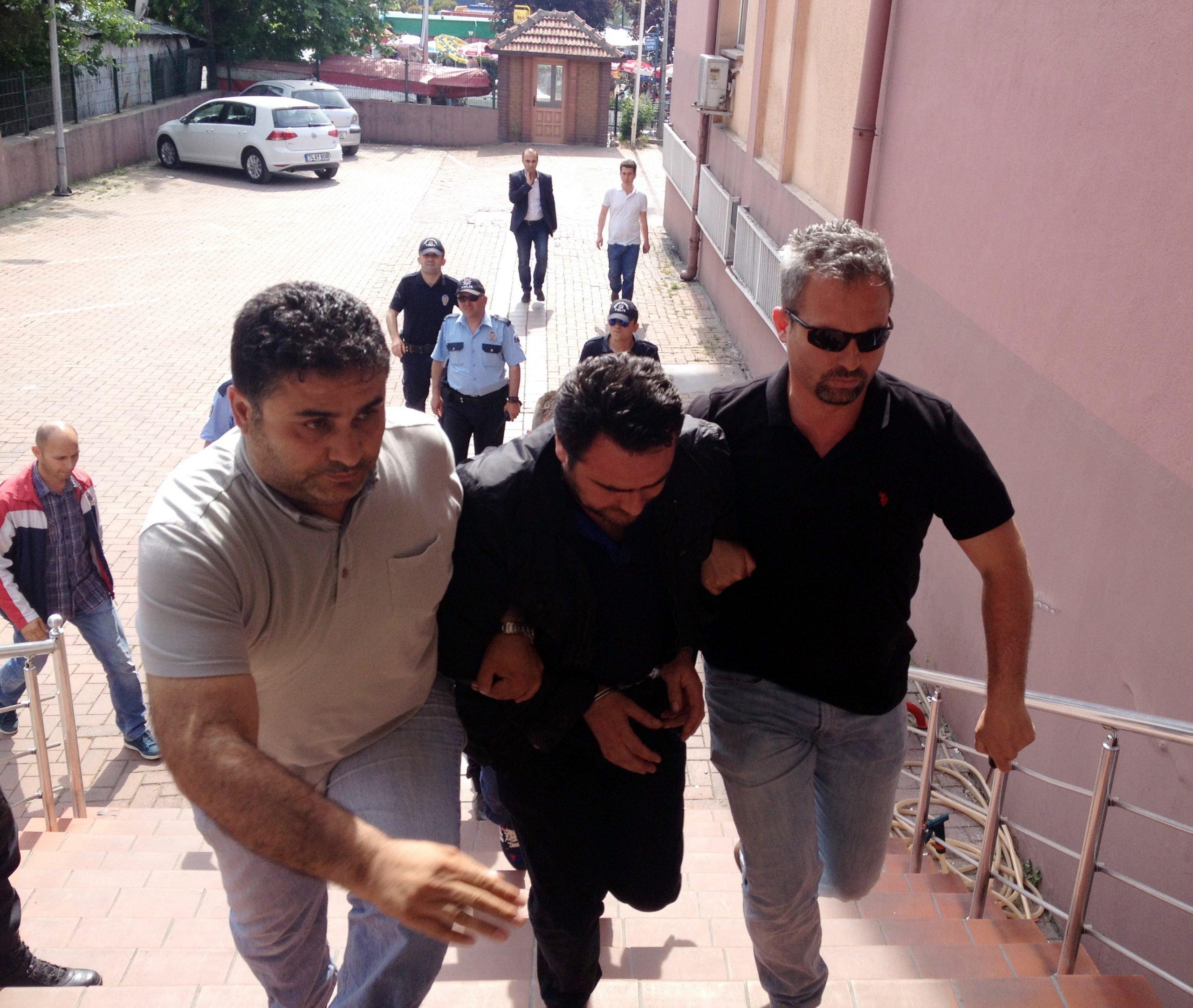 Öğretmeni tekme ile öldüren şehir magandası tutuklandı