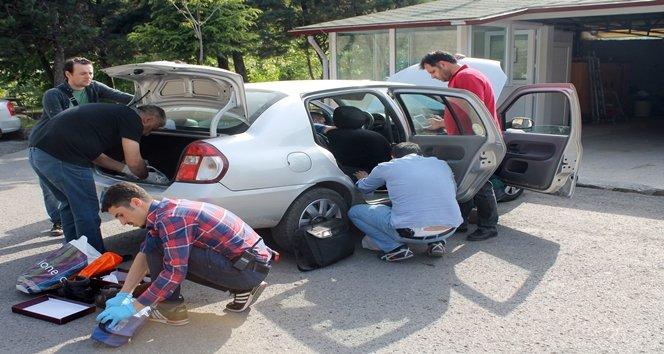 Zonguldak'ta bir otomobilin sigorta kutusundan bir buçuk kilo esrar çıktı