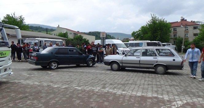 Çaycuma'da trafik kazası:2 yaralı