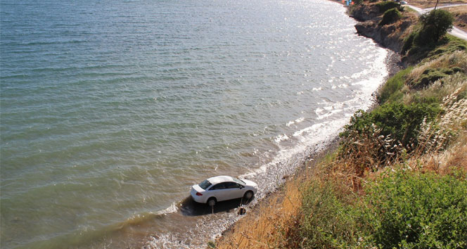 Alkollü kadının kullandığı otomobil denize uçtu