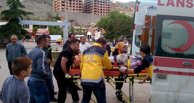 İnşaat işçilerini taşıyan minibüs kaza yaptı: 7 yaralı