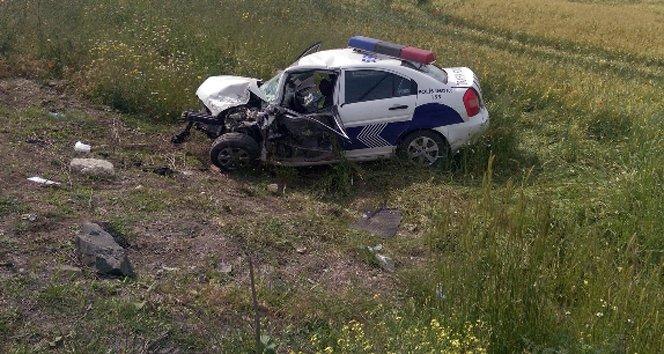 Trafik kazası geçiren bir polis şehit oldu