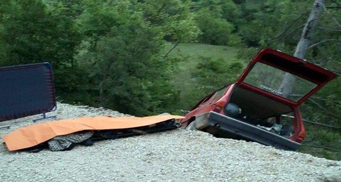 Komşusunu hastaneye getirirken kaza yaptı: 1 ölü 2 yaralı