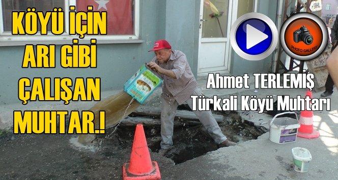 Türkali'de Muhtar Terlemiş Bir işçi gibi Çalışarak Arızayı Giderdi (Görüntülü)