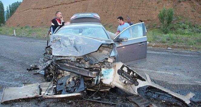Hurdaya dönen otomobil kazasında: 1 ölü, 1 yaralı