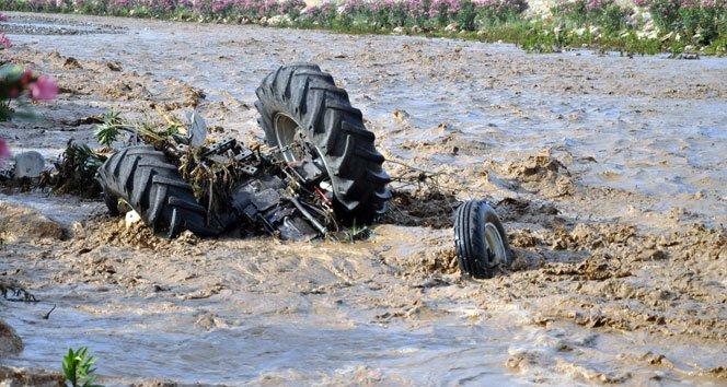 Sele kapılan sürücü son anda kurtarıldı