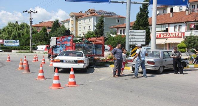 Kavşak'ta zincirleme trafik kazası: 4 yaralı