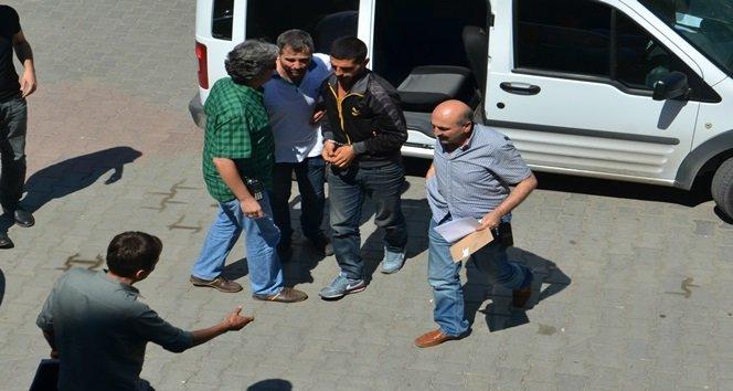Kız Meselesi Yüzünden 2 Kişiyi Bıçaklayan Zanlı Tutuklandı