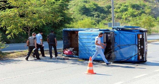 Zonguldak'ta Kamyonet Devrildi: 1 Yaralı