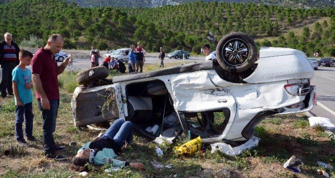 TIR ile otomobil çarpıştı: 1 ölü, 7 yaralı