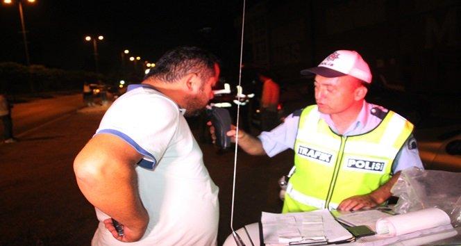 POLİS EKİPLERİ ASAYİŞ UYGULAMASI SIRASINDA ALKOLLÜ SÜRÜCÜLERİ TESPİT EDEREK CEZAİ İŞLEM UYGULADI. (VEDAT KILIÇ/ZONGULDAK-İHA)