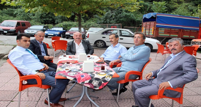 CHP'Lİ VEKİLE KIZIP AK PARTİ'YE DESTEK KARARI ALDILAR