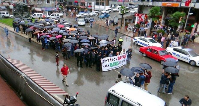 ANKARA'DAKİ TERÖR SALDIRISI ZONGULDAK'TA DA PROTESTO EDİLDİ