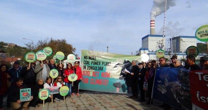 EYLEMCİLER, G-20 ZİRVESİNİ ZONGULDAK'TAN PROTESTO ETTİ. (ONUR ALTINDAĞ/ZONGULDAK-İHA)
