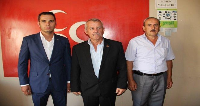 MHP'Lİ BELEDİYE MECLİS ÜYESİ PARTİLERİNDEN İSTİFA ETTİ