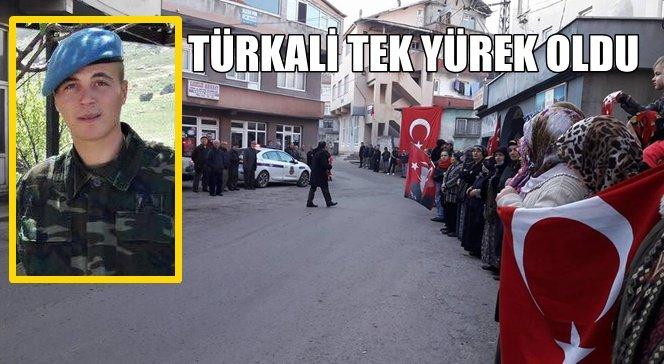 Türkali Şehidini Selamladı…