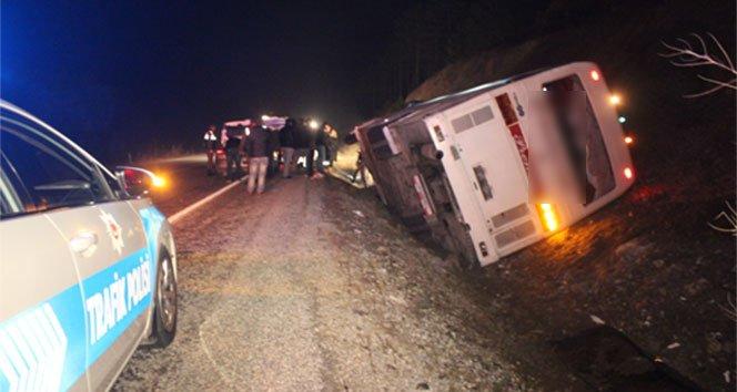İşçileri taşıyan servis otobüsü devrildi: 1 ölü, 40 yaralı