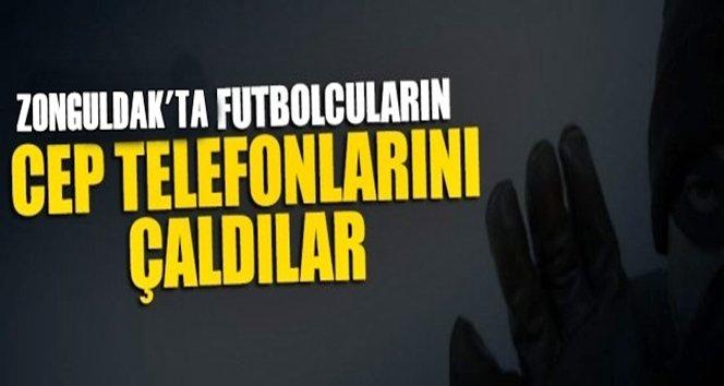 Futbolcular Maç Esnasında Soyuldu, Zanlı….