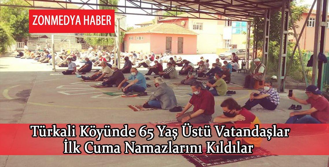 Zonguldak Türkali köyünde 65 yaş üstü vatandaşlar ilk cuma namazlarını kıldılar.