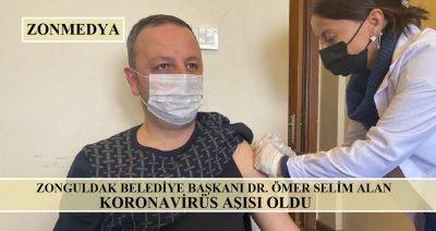 Zonguldak Belediye Başkanı Dr. Ömer Selim Alan KOVID-19 aşısı oldu.