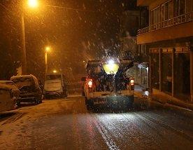 Zonguldak'ta dün akşam beklenen kar yağışı başladı