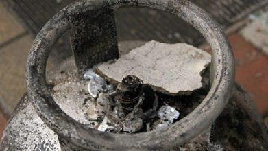 Çaycuma'da üç katlı evin çatı katında patlayan tüp, korku dolu anlar yaşattı.