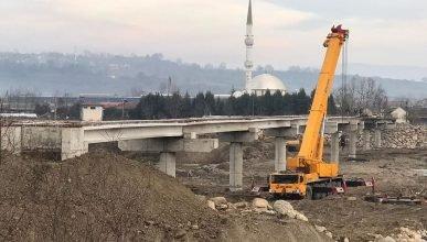 """Zonguldak Çaycuma'da Filyos ırmağı üzerine yapılan """"Sarıkaş  Köprüsü"""" yakında bitiyor"""