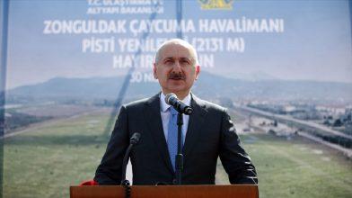 Ulaştırma Bakanı Karaismailoğlu, yenilenen Çaycuma Havalimanı'nı  ziyaret etti.