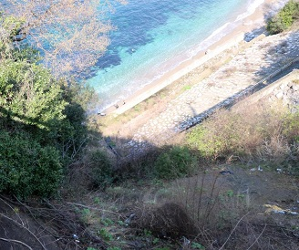Zonguldak'ta otomobil 200 metreden denize uçtu