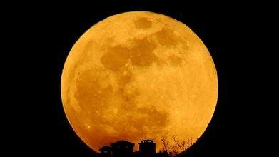Dünya bu gece 'Süper Çiçek Kanlı Ay' tutulmasına tanıklık edecek