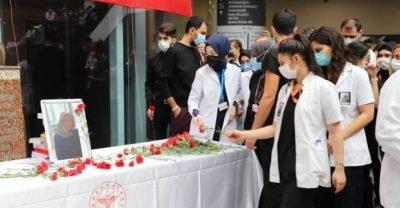 Trafik kazasında hayatını kaybeden doktor, meslektaşları tarafından anıldı