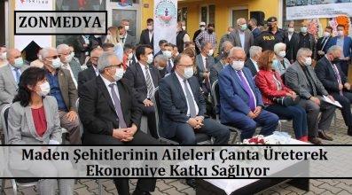 Zonguldak'ta maden şehitlerinin aileleri çanta üreterek ekonomiye katkı sağlıyor.